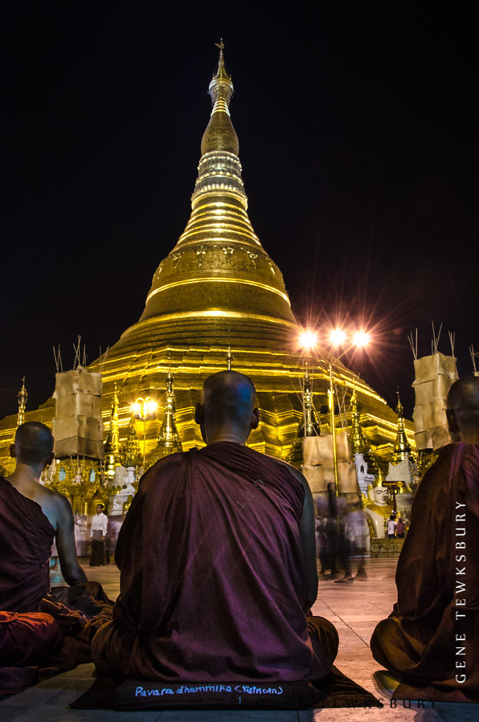 Monks pray at Shwedagon Pagoda